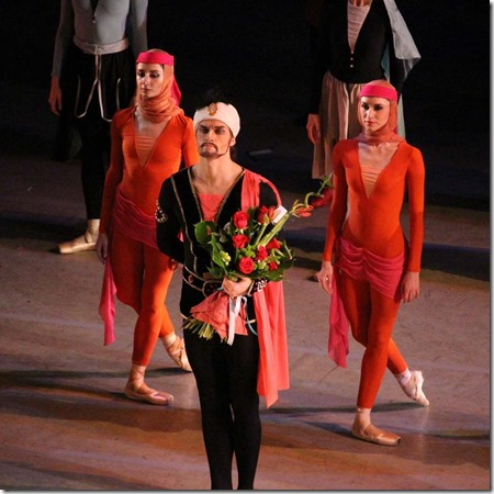 Юрий Смекалов в партии Визиря в балете Легенда о Любви