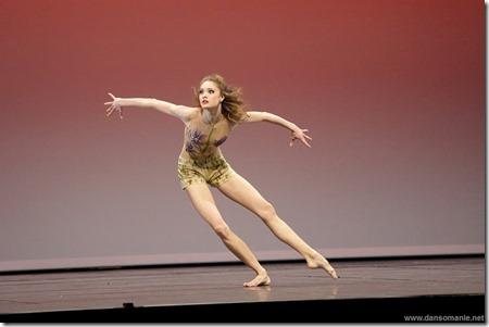 Алена Ковалева танцует Весну священную на Prix de Lausanne