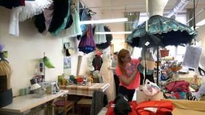"""В мастерских Мариинского театра заканчивают шить костюмы к балету """"Пахита"""""""