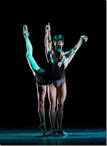 Виктория Терешкина и Ким Кимин в балете Инфра
