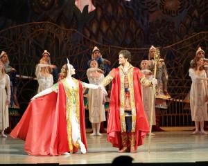 Александра Попова в партии Царевны-Ненаглядной красы в балете Жар-птица
