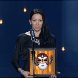 Виктория Терешкина получает Театральную премию Золотая маска