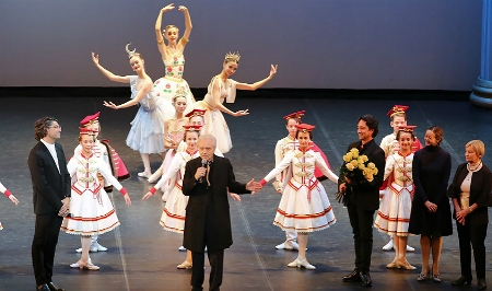 Олег Виноградов принимает поздравления